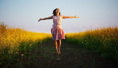 "EN Pregelere: ""Despre fericire"" (Saptamana PSI, Editura Trei)"